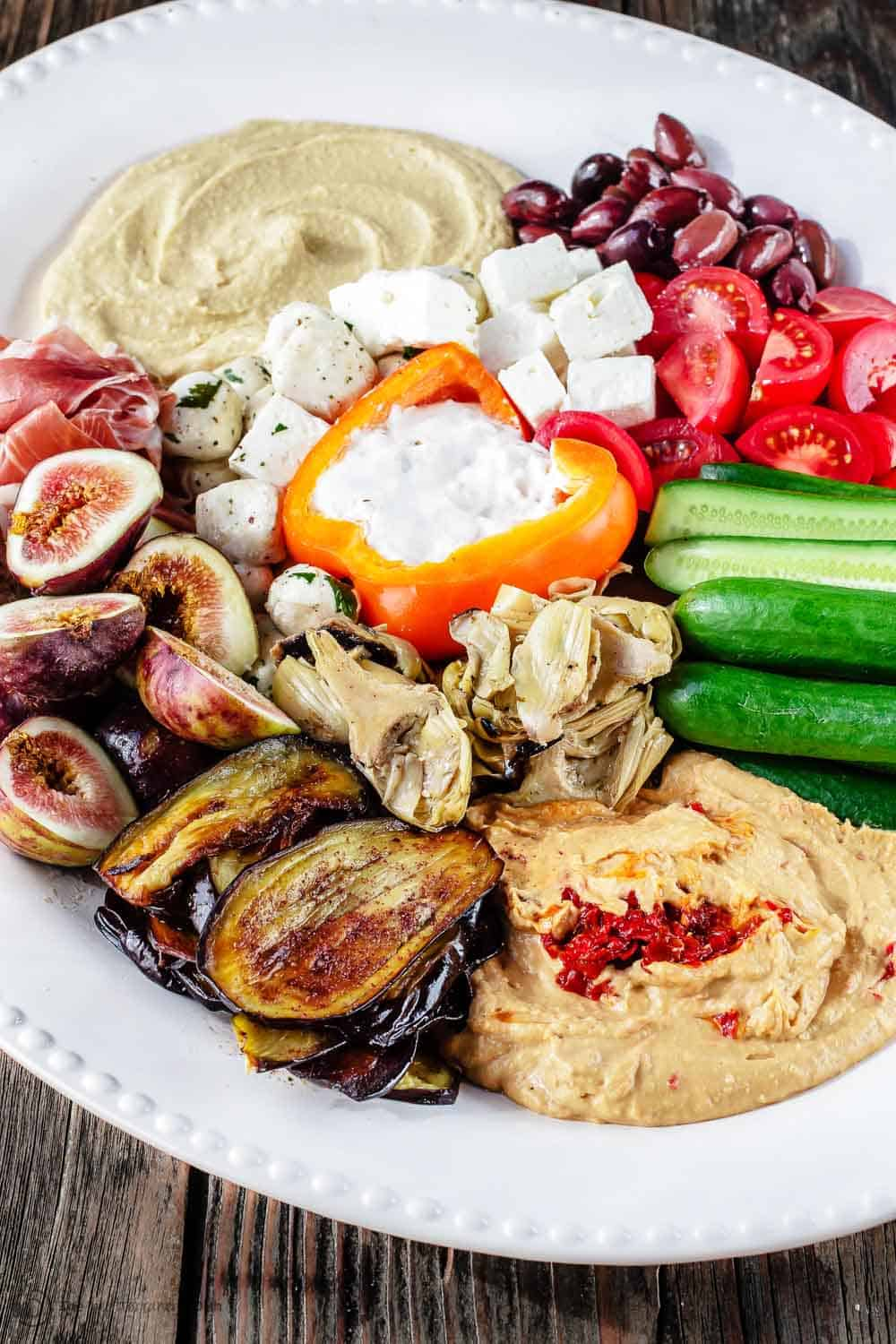 How-to-build-the-perfect-Mediterranean-Party-Platter-with-Hummus-101